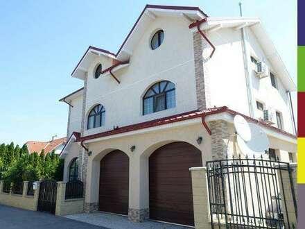 Großzügiges 1-2 Familienhaus mit Doppelgarage