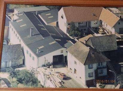 Zweifamilienhaus mit Werkshalle
