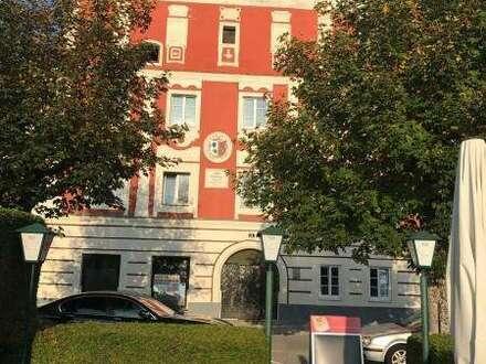 Neu-Sanierte Eigentumswohnungen im Alten Rathaus mit Blick auf die Donaupromenade in Aschach an der Donau