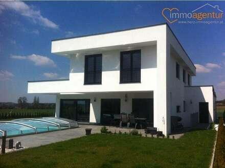 """Stylische Villa """"MONUMENTUM 186"""", Massivbauweise mit Doppelgarage und Terrasse. TOPAUSSTATTUNG !"""