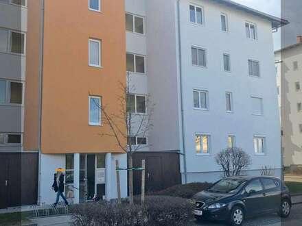 4 Zimmer - teilmöblierte Eigentumswohnung mit durchdachter Raumaufteilung, einer großen Loggia und Garagenabstellplatz in…