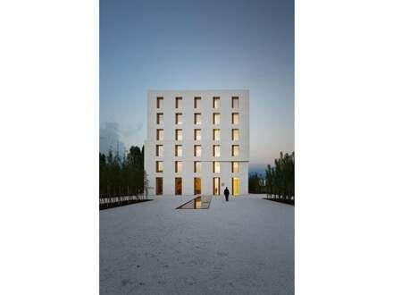 Kleinbüros in außergewöhnlichen Architektenhaus