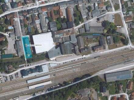 2 tolle Lagerhallen mit 4 Industrie - Sektionaltoren gleich neben dem Bahnhof in Neumarkt im Hausruckkreis zu verkaufen!!