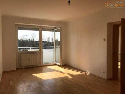 Sonnige, gepflegte 3-Zimmer-Wohnung mit 2 Loggien im Welser Stadtzentrum!