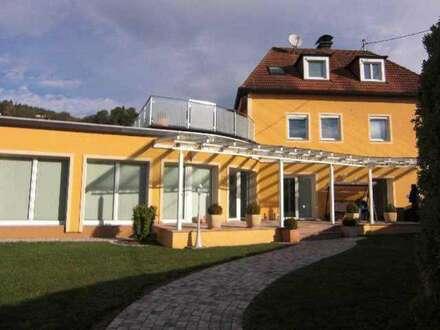 Velden am Wörthersee VILLA mit 3 Exklusiv-Wohnungen-TOP-Einrichtung/Ausstattung