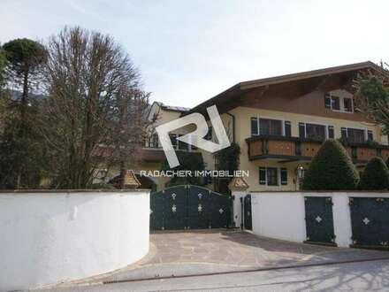 Villa mit großem Grundstück zu verkaufen