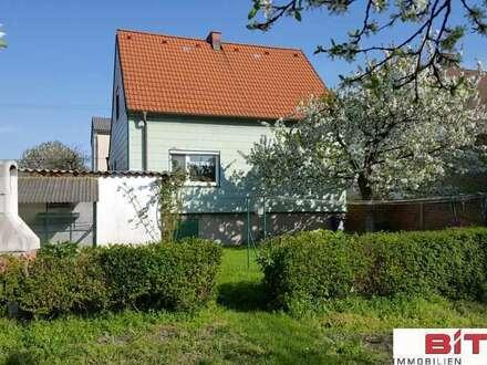 Älteres Einfamilienhaus, teilweise renoviert, BIT Immobilien