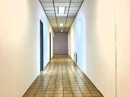 120m² Büro beim Golfplatz! PAUSCHALMIETE!