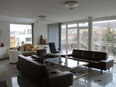 Stylische, modern eingerichtete, möbl Architektenvilla in Gablitz