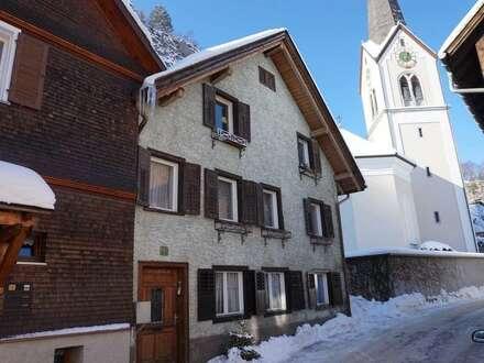 Mehrfamilienhaus mit 4 Wohnungen