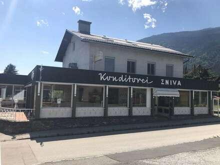 Kaffeehaus – Eisdiele – Konditorei – Restaurant in einem Tourismus Ort