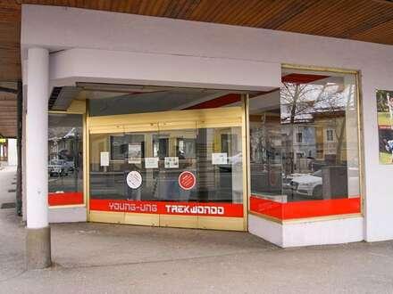 Geschäftslokal oder Büro + Top-Schauflächen und großes Lager - Zentrale Lage in Klagenfurt - Vielseitig nutzbar.