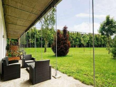 Wohnen im Schloss - 3-Zimmer Terrassenwohnung mit eigenem Parkplatz und Zugang zum Schlosspark.
