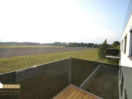 Top11: Neubau-Erstbezug und Provisionsfrei 3 Zimmer mit Balkon mit tollem Ausblick!