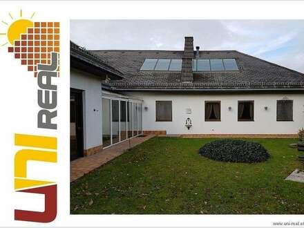 - UNI-Real - Anspruchsvolle Villa - Wohnen in bester Lage