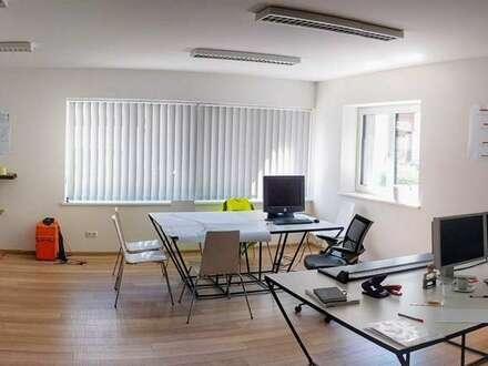 Modernes, neus Geschäftslokal/Büro in zentraler Lage von Bad Ischl zu vermieten