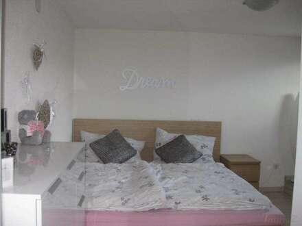 Birgitz: leistbare Single-Wohnung mit Balkon und Autoabstellplatz