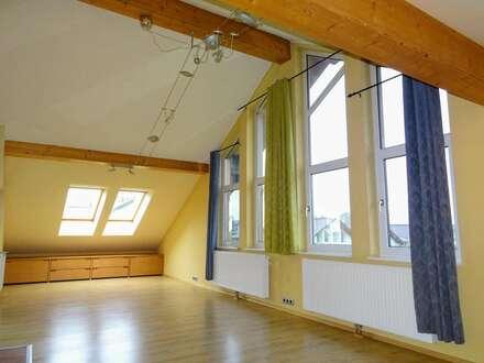 Wohnen mit der Sonne - loftartige Dachterrassenwohnung in Eugendorf