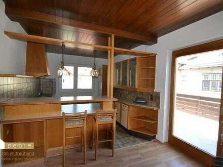 geräumige Maisonette Wohnung, große Terrasse mit schönem Ausblick, separater Eingang