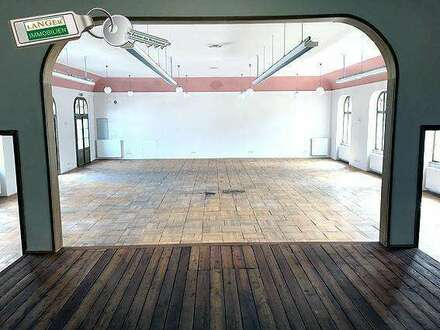 Geschäftslokal mit großen historischem Saal, Büro, Teeküche bzw. Gemeinschaftsraum zu vermieten!!!