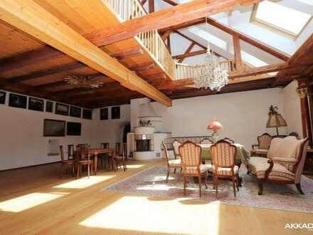 Acht Zimmer | 4500m Grund | 440m² WNF