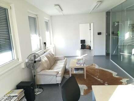 Modernes, helles Büro in zentraler Lage
