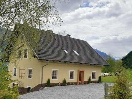 Hermagor/Micheldorf :wunderschönes,ländliches, renoviertes Haus mit 2 Wohnungen,Stallgebäude und 4000m2 Grund. Prächtige…