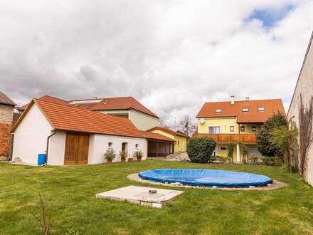 Ruhig gelegenes Einfamilienhaus mit großem Garten! sofort Beziehbar ohne Maklerprovision.