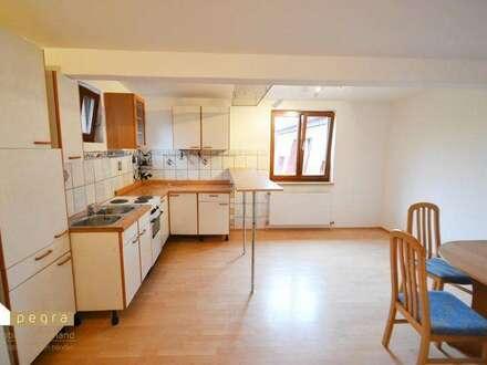 freundliche 2 Zimmer Wohnung im Dachgeschoß inkl. Küche und Sitzecke
