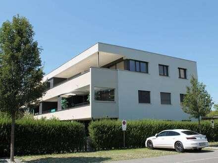 Top Dachgeschoß-Wohnung mit großer Terrasse und zwei TG-Plätzen!