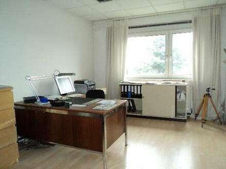 Büro mit mehreren Möglichkeiten!