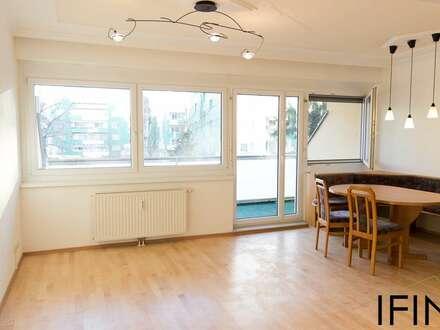 Helle 3-Zimmer Wohnung mit Loggia und Tiefgaragenplatz in ruhiger Wohnsiedlung