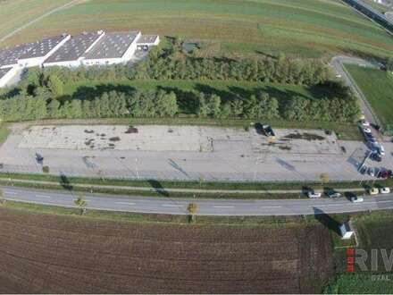 Asphaltierte Freiflächen von 345m² bis 1.330m²! Auf Wunsch mit Lagercontainer