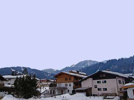 Dachgeschosswohnung im Tiroler Alpenstil ( 2018-01889 )