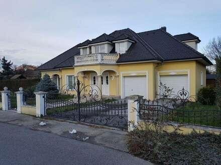 Großzügiges Architektenhaus in idyllischer Lage - NÖ