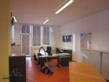 Am -Stadtrand von Amstetten Büro mit ca. 200 m2 zu vermieten!