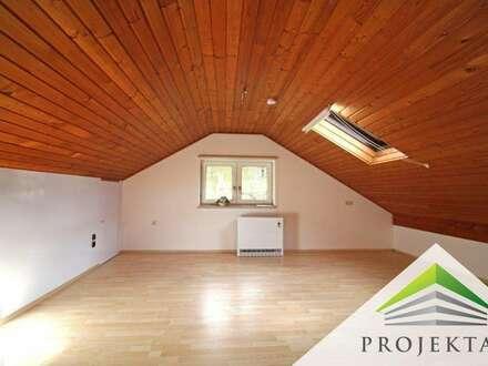Großzügige 2 Zimmer-Dachgeschoss-Wohnung in ruhiger Lage inkl. Parkplatz - ab sofort verfügbar!