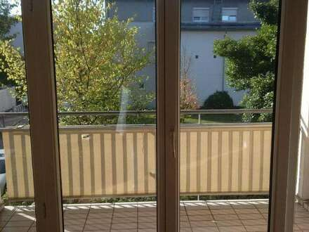 Preiswerte einzigartige Maisonetten-Wohnung in idyllischer Grünlage mit Balkon! Ideale Kombination für Stadt- und Naturliebhaber!…
