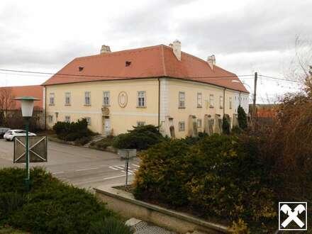 Traumhafter denkmalgeschützter Pfarrhof Nähe Hollabrunn