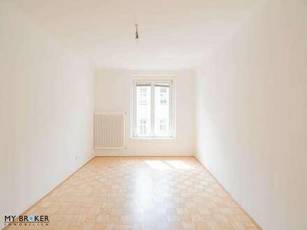 Neu sanierte, helle 3 Zimmer Wohnung mit idealer Raumaufteilung und ausgezeichneter öffentlicher Anbindung – WG geeignet