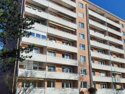 Sarnierte, großzügig geschnittene 2 Raum Wohnung mit Balkon im sonnigen Stadtteil Steyr Münichholz, provisionsfrei!