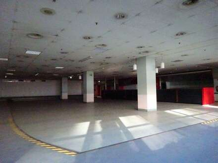 1. Monat mietfrei - Kantine/ Veranstaltungshalle mit Küche, Kühlräumen und Ess-Salon in einem Grazer Büro- & Logistikcenter…