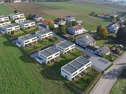 UNGLAUBLICH GROSSE DOPPELHAUSHÄLFTE IN AUSSICHTSLAGE - 50m² OFFENER WOHN-ESSBEREICH - 30m² VORGELAGERTE SONNENTERRASSE H2