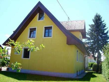 Großzügiges Ein-/Mehrfamilienhaus in zentraler Lage in Fürstenfeld!