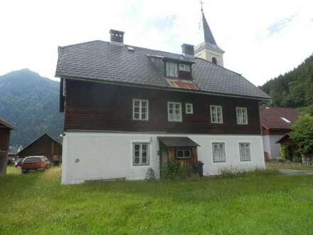 Baurecht: Mehrparteienhaus im Mariazellerland