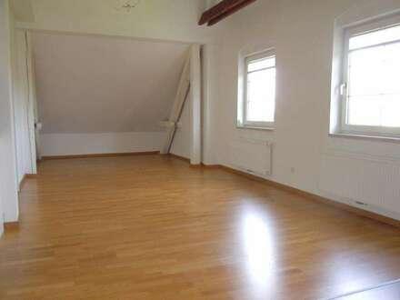 Tolle 2-Zimmer-Dachgeschosswohnung - Wohnbeihilfetauglich & Provisionsfrei!