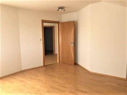 PREGARTEN: DACHGESCHOSS - EIGENTUMSWOHNUNG mit ca. 119m2 Wohnfläche