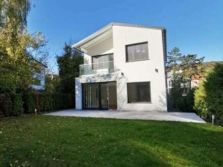Willkommen in Neustift! Wohnen in einem modern renovierten Einfamilienhaus Nähe American International School!