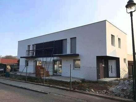 ++Neubau++ERSTBEZUG++Belagsfertig++250 m² Grundstück++Wfl.120 m²++