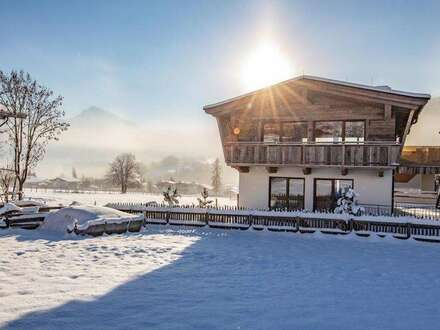 Hochwertiger Tiroler Hof in Ruhelage mit Wellnessbereich
